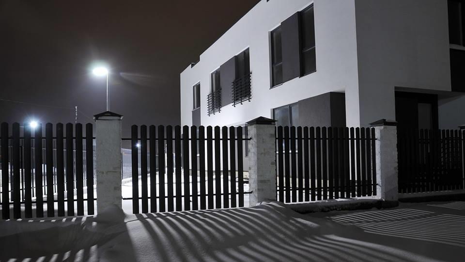 Вечірні вогні Оріону: на «космічному» комплексі під Луцьком запрацювали стильні ліхтарі. ФОТО