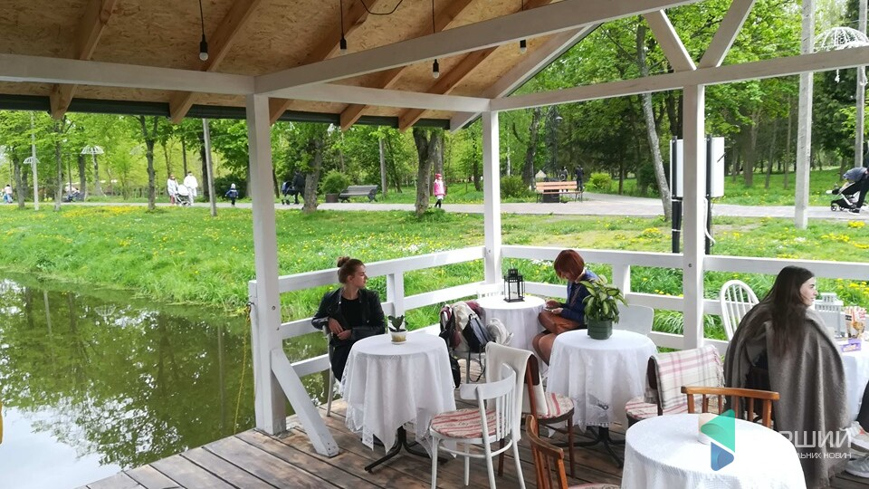 У луцькому парку відкрили кафе-пристань