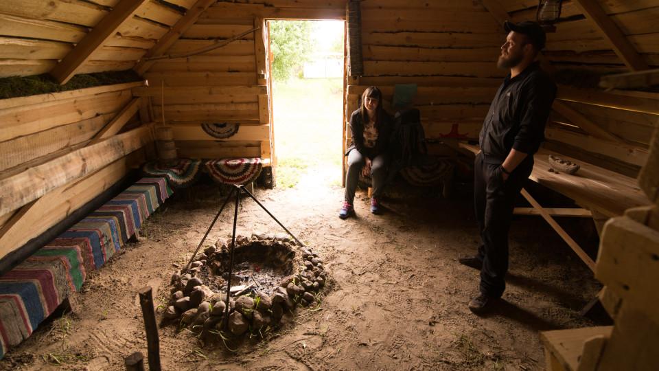«Перший на природі»: 700-літній дуб та кемпінг у давньоскандинавському стилі в селі Дубечне. ФОТО