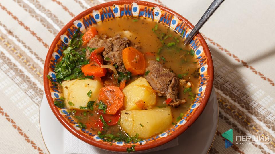 Перший на кухні: Як готувати болгарський суп «Шурпа». ФОТО
