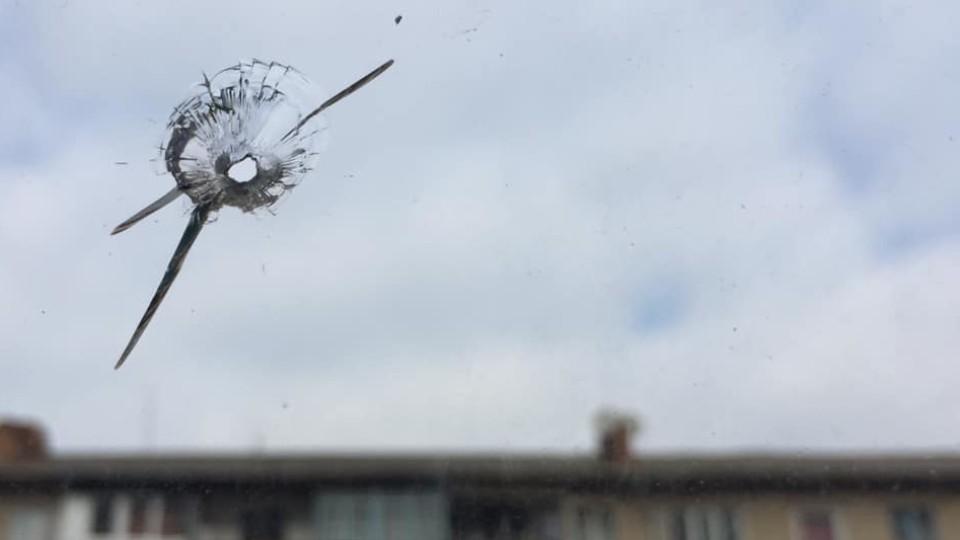 Невідомі стріляли у вікно депутата Волиньради