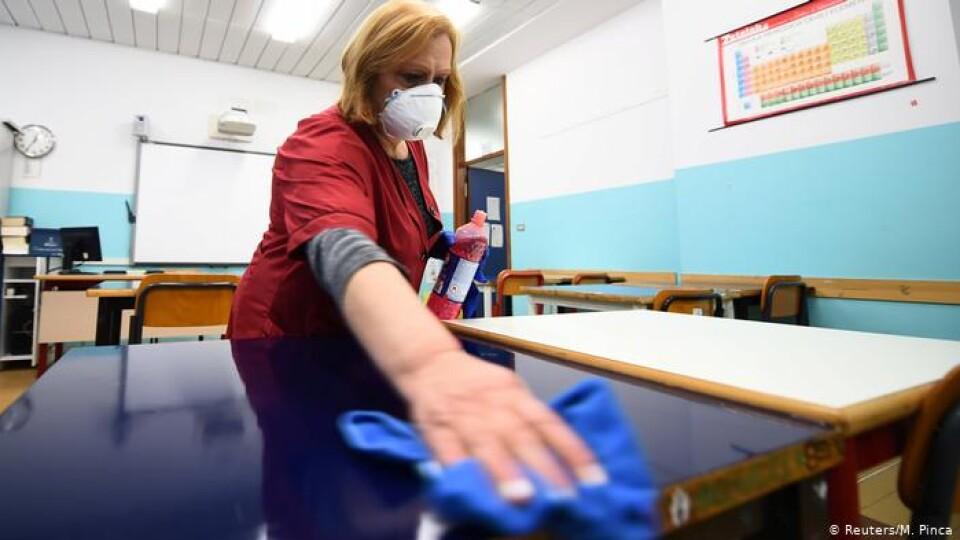 Скільки учнів і вчителів хворіють на СOVID на Волині