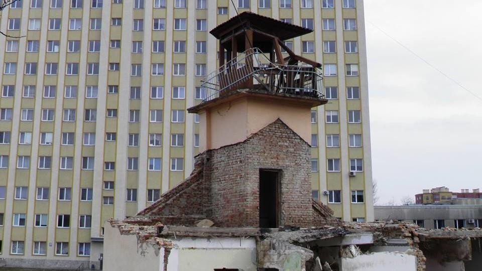 Нащо зруйнували стару рятувальну станцію у Луцьку