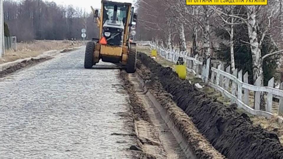 На Волині ремонтують дорогу до Шацьких озер