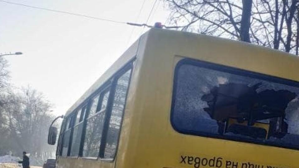 У Луцьку на проспекті Молоді сталася подвійна ДТП. Зіткнулися дві маршрутки та авто