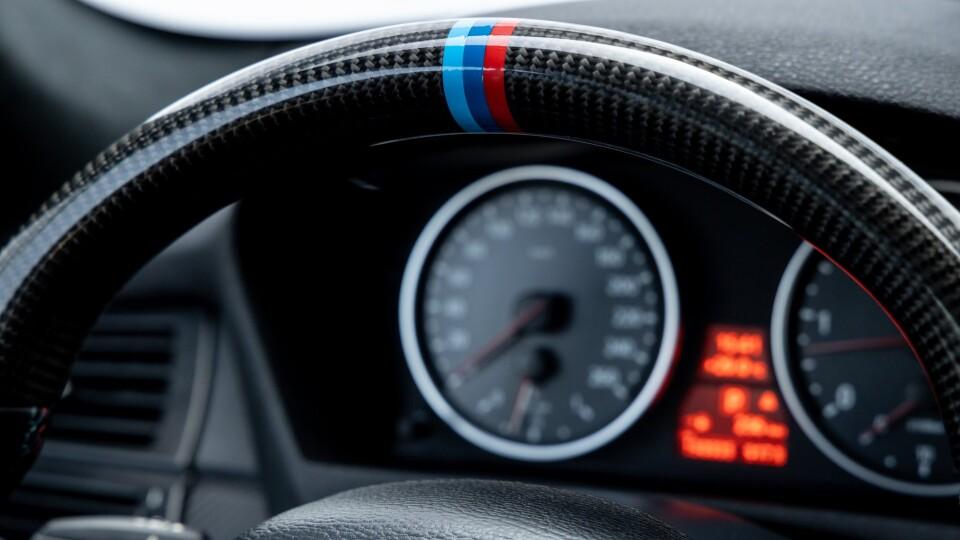 У WEST AUTO HUB продають три BMW X5
