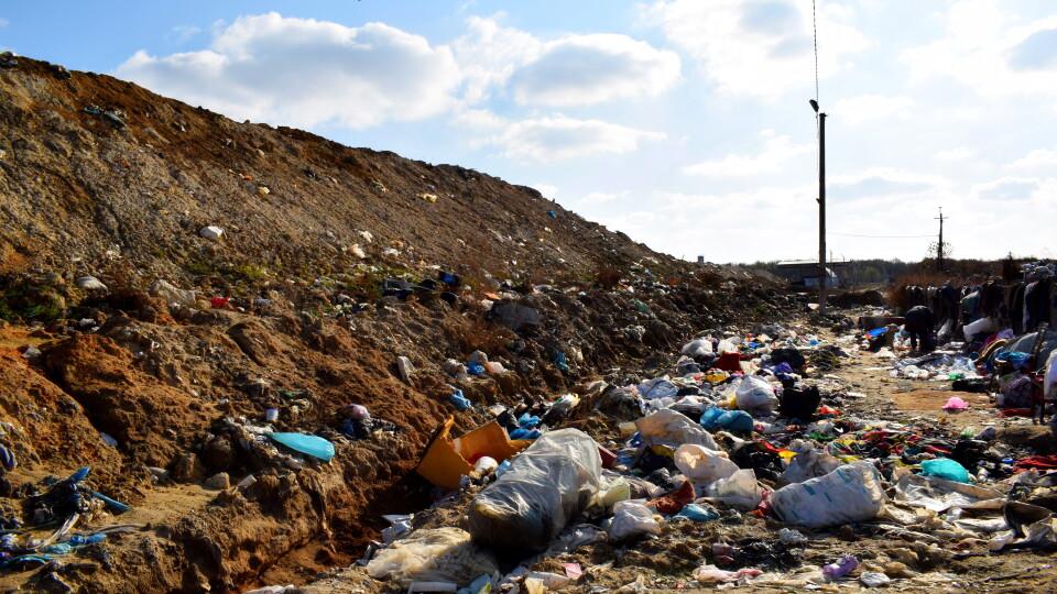 «До зараження води недалеко». Екологи хочуть закрити сміттєзвалище в Брищі