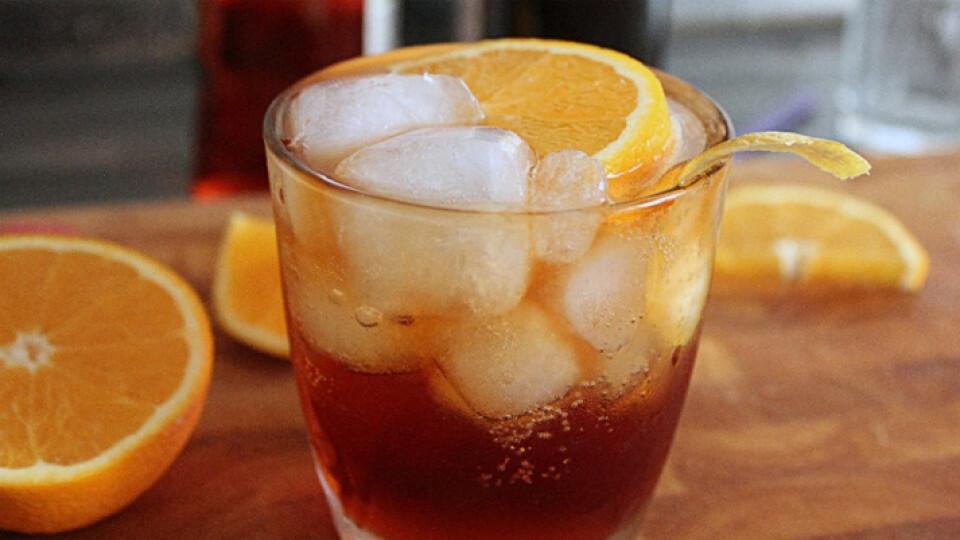 Незвичні рецепти холодної кави для спекотного літа