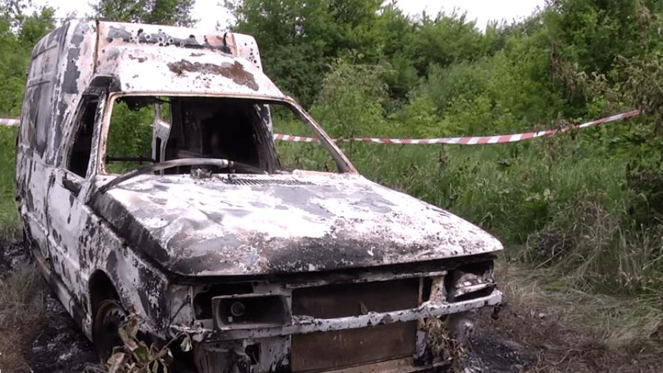 На Волині пенсіонер спалив себе у власному авто. Відео