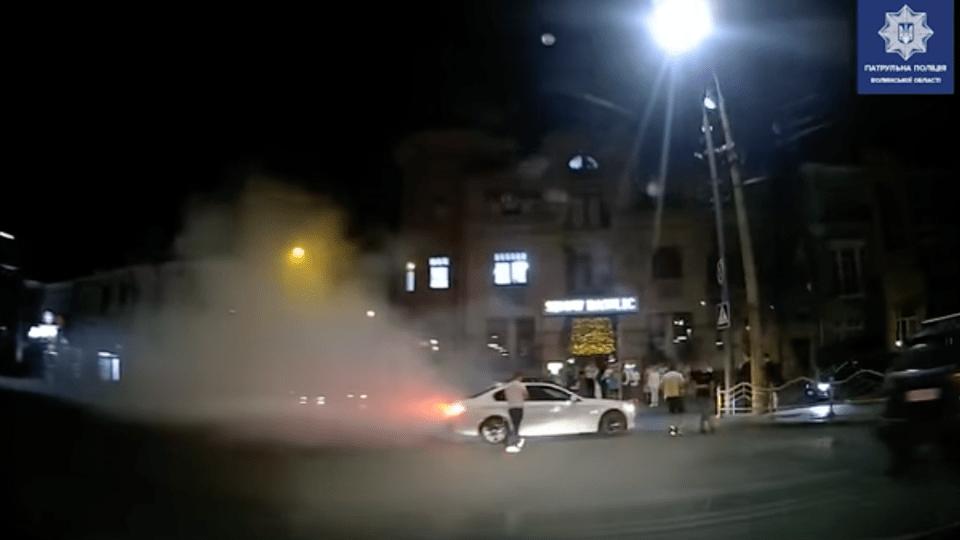 У центрі Луцька п'яний водій «дрифтував» на BMW. Його взяли у кайданки. Відео