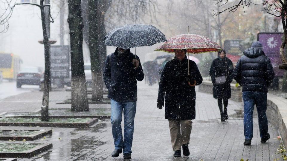 Мороз та дощ зі снігом: погода в Луцьку на 30 січня
