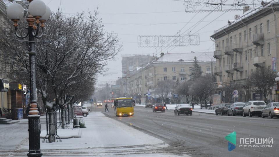 «Комунальники працюють хаотично», - екс-мер Луцька про порятунок міста від снігу