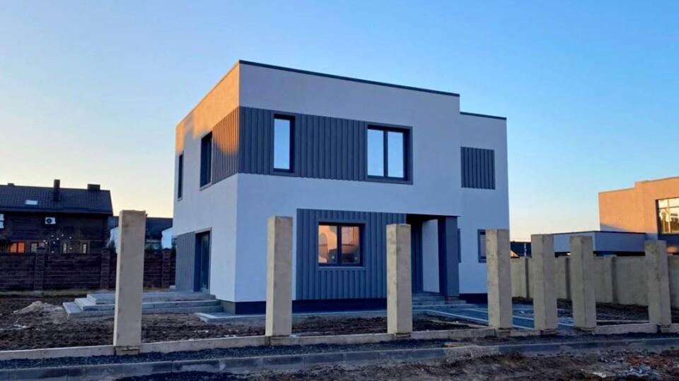Продається готовий будинок під Луцьком у котеджному містечку. Що входить в ціну?