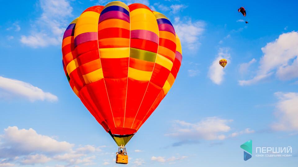 На «Бандерштаті» можна буде політати на повітряних кулях. Скільки це коштуватиме