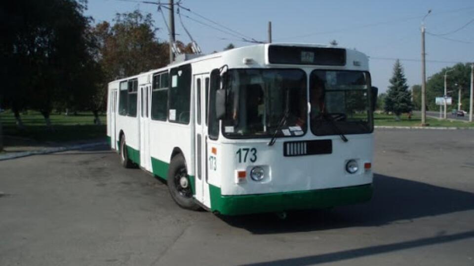 До Гаразджі тимчасово пустять ще один тролейбус