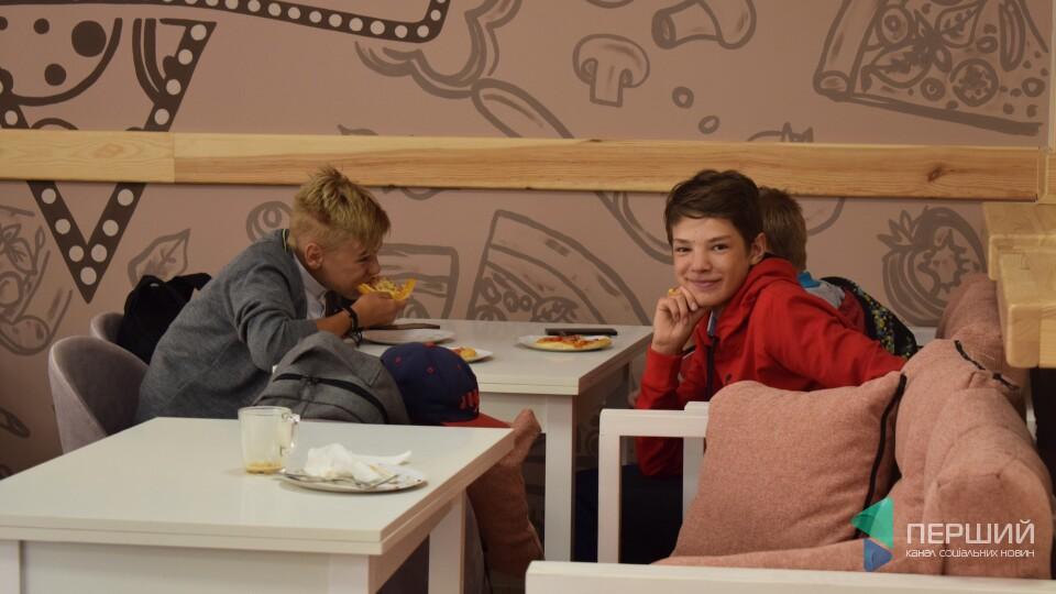 Повернення легендарної маленької піци. У Луцьку на Лесі Українки – нове кафе