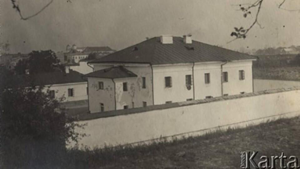 Зробити тюрму у Володимирі туристичним об'єктом. Є така думка