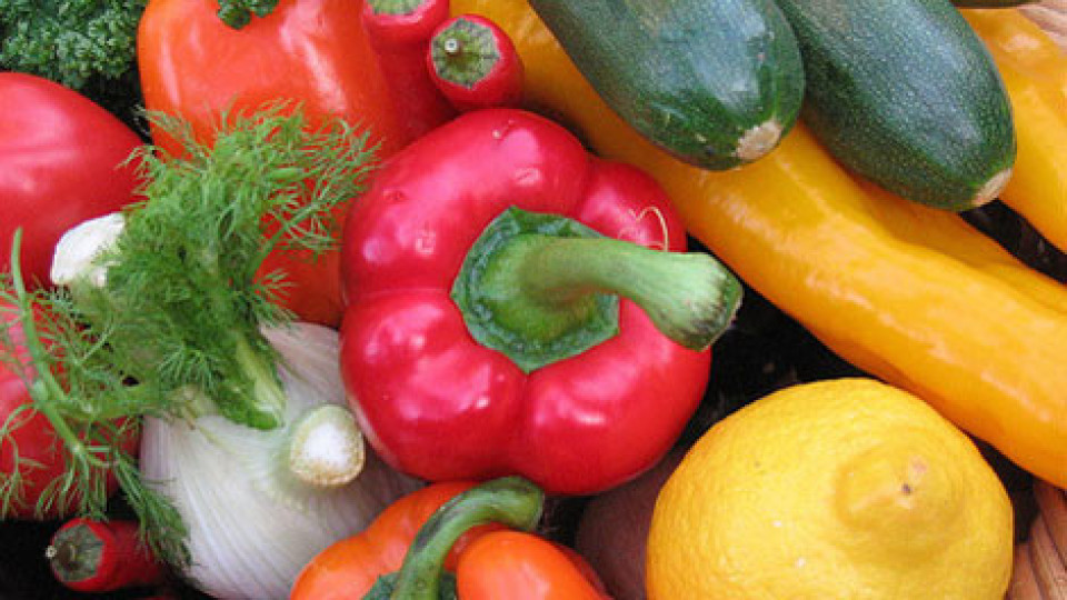 Чи безпечні ранні овочі з луцьких ринків. ВІДЕО