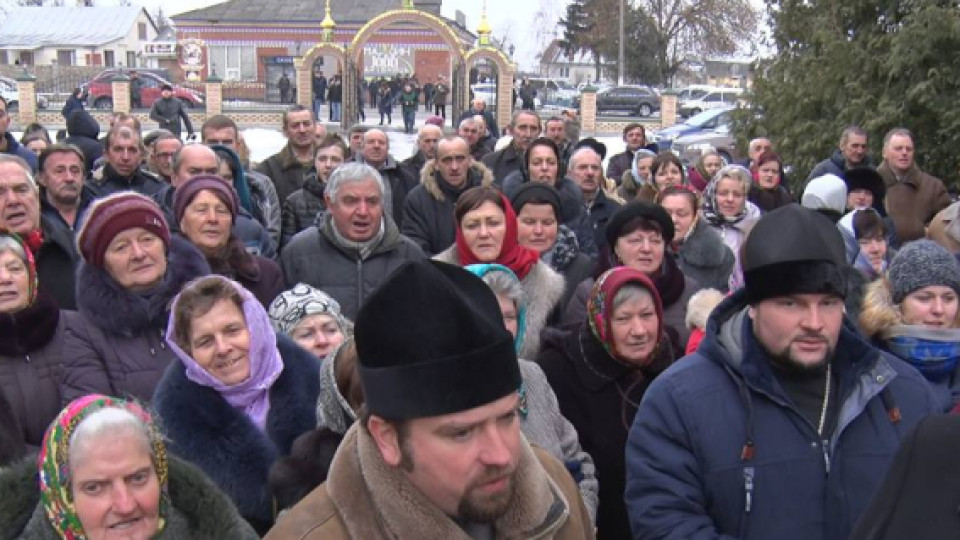 «Тітушки» і «якісь там голосування»: що сталося у Скобелці. ФОТО