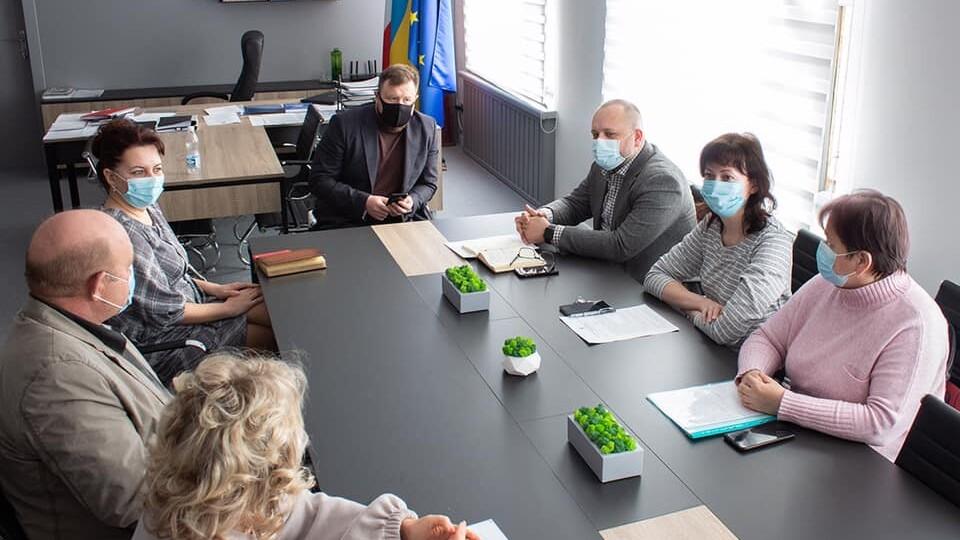«Ситуація вкрай напружена, працюємо над посиленням карантину», – мер Нововолинська