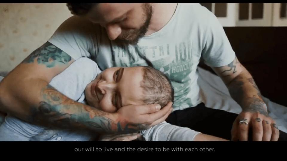 У неймовірно чуттєвому відео луцький фотограф розповів, як бореться за кохану, в якої рак