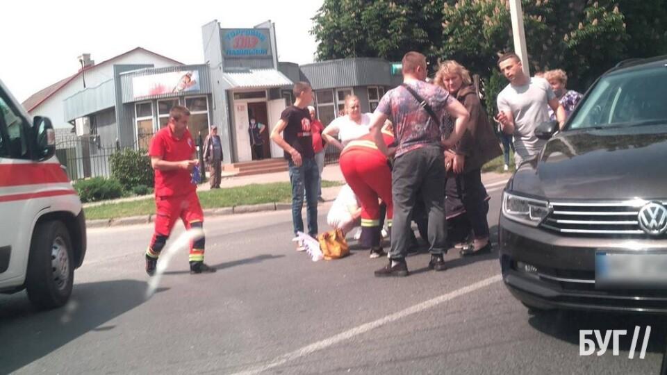 У Володимирі автівка на пішоході збила дитину