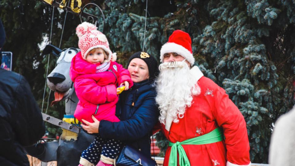 Луцькі муніципали відхрестилися від «репресій» проти Діда Мороза