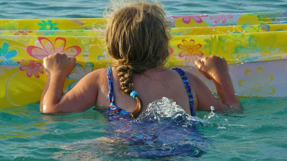 На Світязі 10-річну дівчинку на надувному крузі віднесло за кілометр від берега