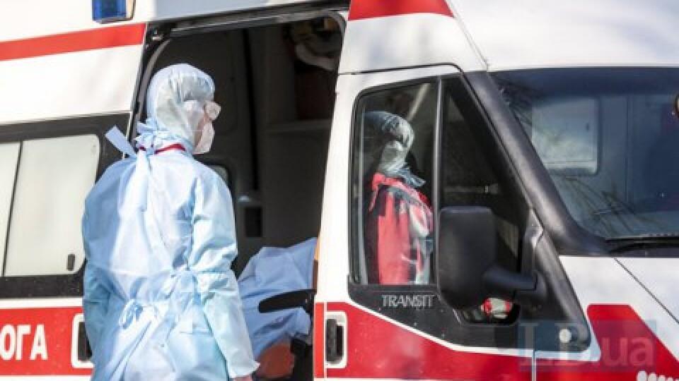 За час пандемії коронавірус забрав життя у понад 250 українських медиків