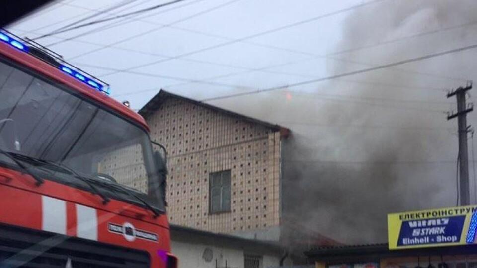 У Ковелі – масштабна пожежа біля Брестського ринку