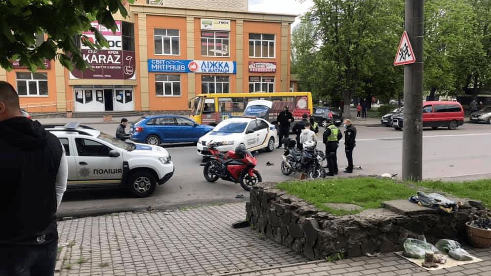 Деталі зіткнення мотоцикліста та патрульних у Луцьку