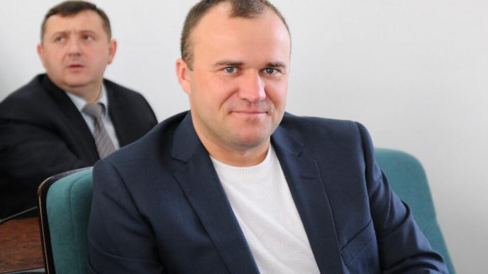 Луцький депутат Нестерук складає мандат. Замість нього в раду прийде Моклиця