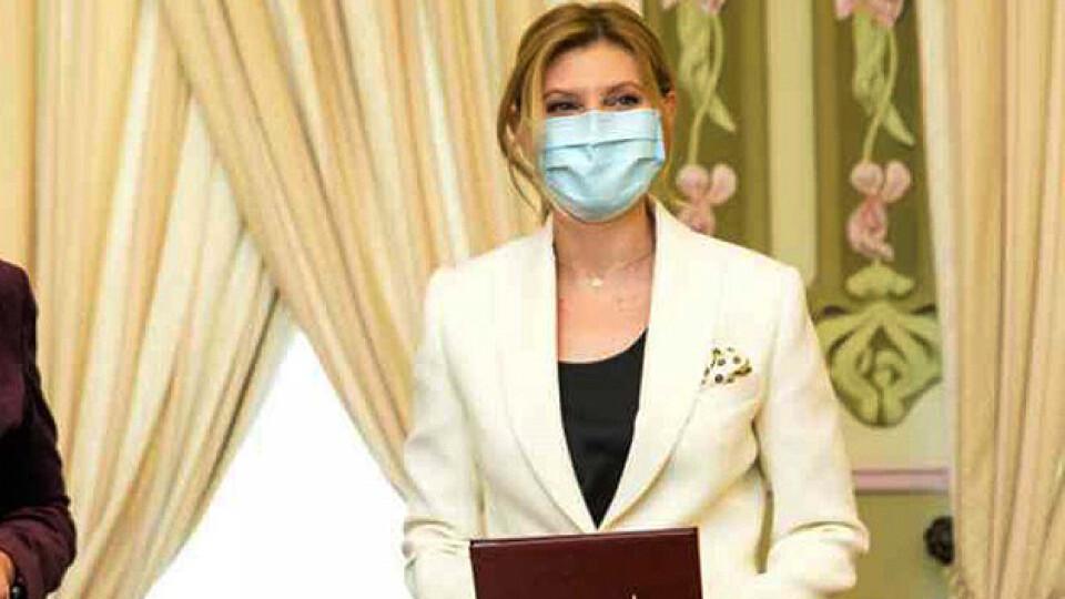 Дружина Зеленського ще й досі не одужала від коронавірусу