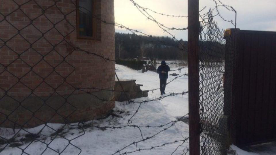У селі під Луцьком обшукують будинок Василя Столяра. ФОТО