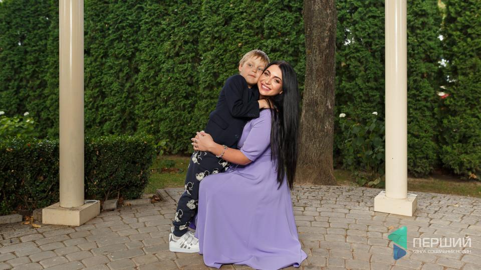Мама на стилі:  елегантна Діана та сором'язливий Ерік