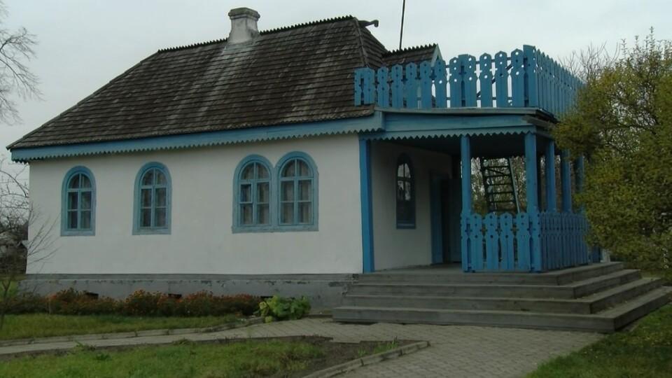 У селі Колодяжне руйнується будинок Лесі Українки. Коли буде реконструкція?