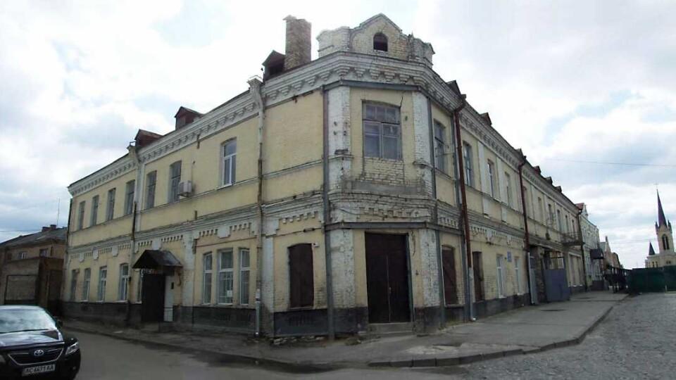 У Луцьку шукають бізнесмена, який відкриє готель та ресторан біля замку