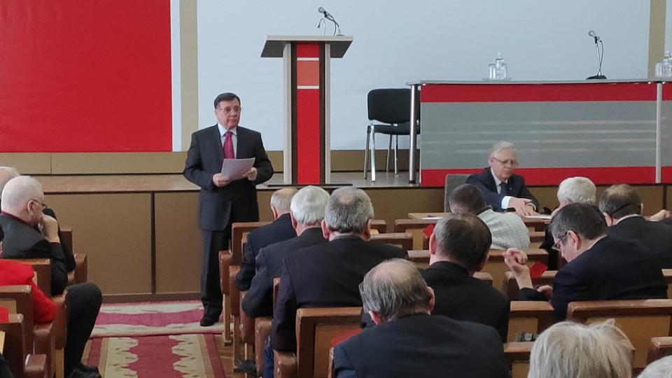 Комуніст Адам Мартинюк «засвітився» на публіці: висував свого шефа в президенти. ФОТО