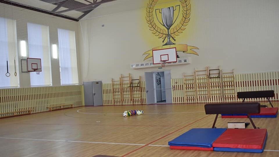 На Волині відкрили школу із найбільшим в області спортзалом