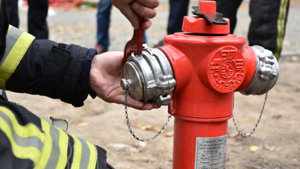 У Луцьку на проспекті Волі встановили нові пожежні гідранти