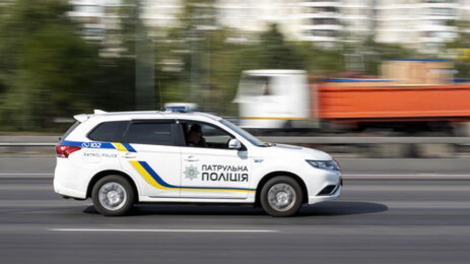 У Луцьку патрульні з погонею затримували двох грабіжників. Відео