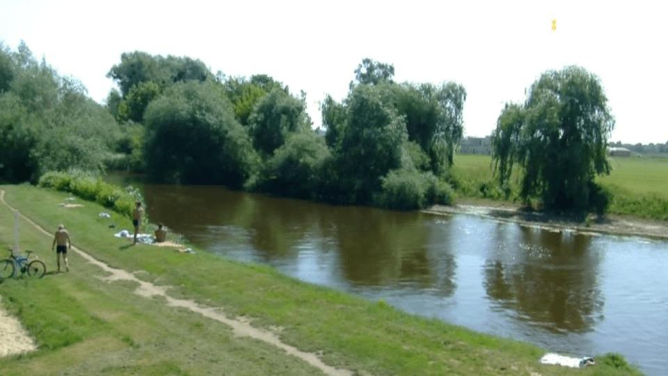 У Луцьку на річці Стир ледь не потонули дитина та чоловік напідпитку