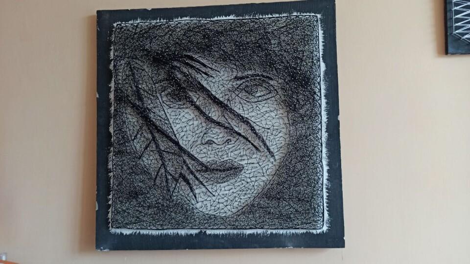 У школі на Волині учні виготовляють унікальні картини з цвяхів та ниток