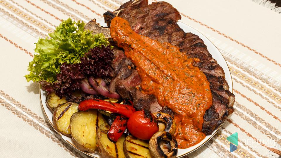 Перший на кухні: як готувати болгарський соус до м'яса та закуску Кьопоолу. ФОТО
