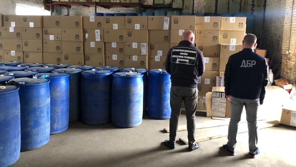 У Луцьку викрили контрабанду цигарок на майже 16 мільйонів. Відео