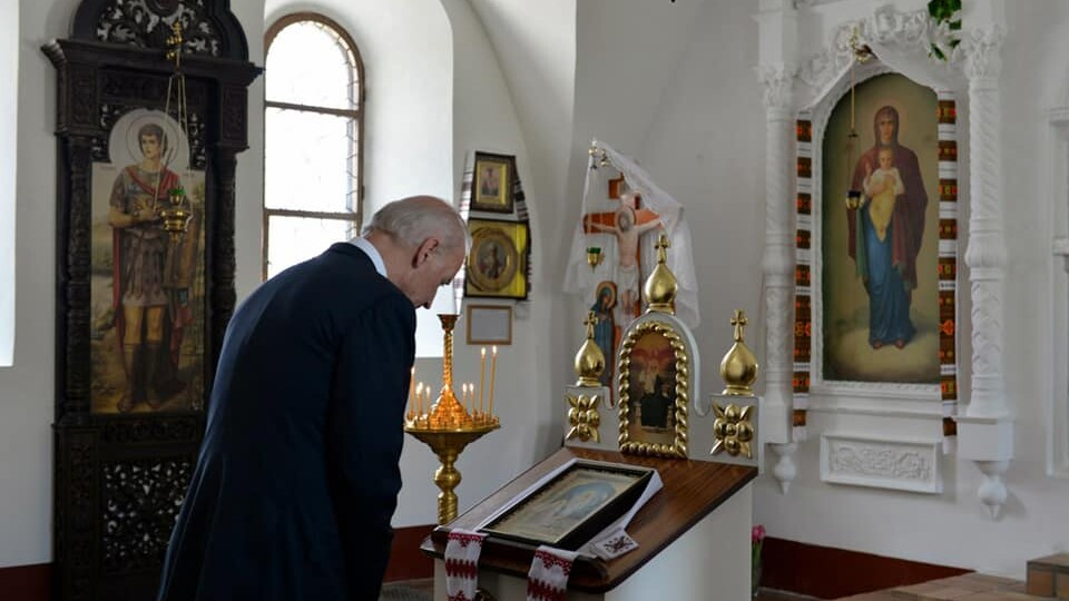 «Минуло 6 років, а скільки змінилося». Священник з Волині показав фото з візиту Байдена в Україну
