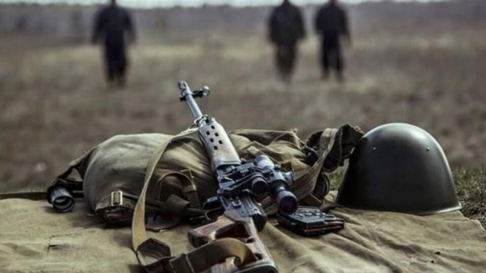 Дрон бойовиків скинув гранату на українського військового