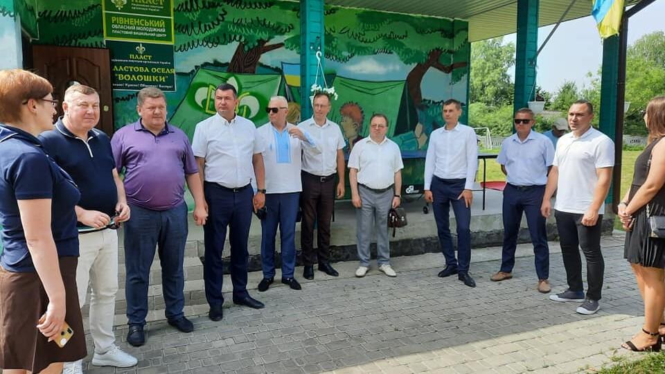 Що роблять депутати Волинської облради на Рівненщині