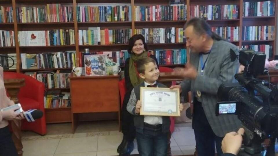 Наймолодшому літературному блогеру – 7 років. Другокласник з Луцька встановив «книжковий» рекорд