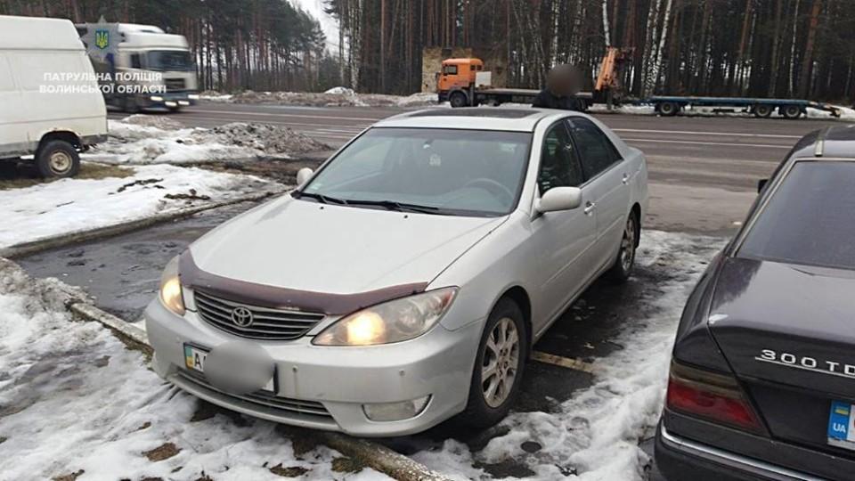 Машина у розшуку, а водій - боржник: «улов» патрульних на Волині